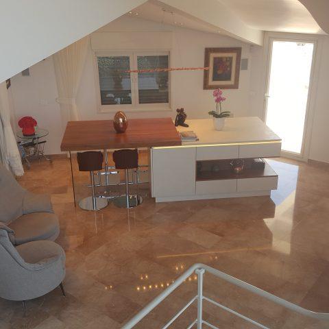 בית בדניה- וילה בשלבי גמר